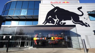 Photo of Mercedes' head of mechanical engineering, Ben Hodgkinson, joins the Red Bull Camp!